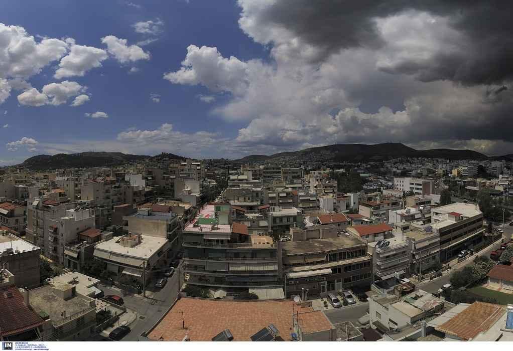 Στην Αθήνα έφτασε η κακοκαιρία «Θάλεια» (VIDEO)