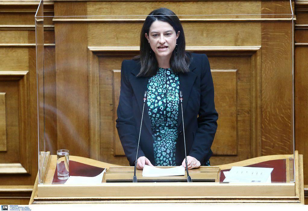 «Καυγάς» στη Βουλή για το νομοσχέδιο περί ιδιωτικής εκπαίδευσης