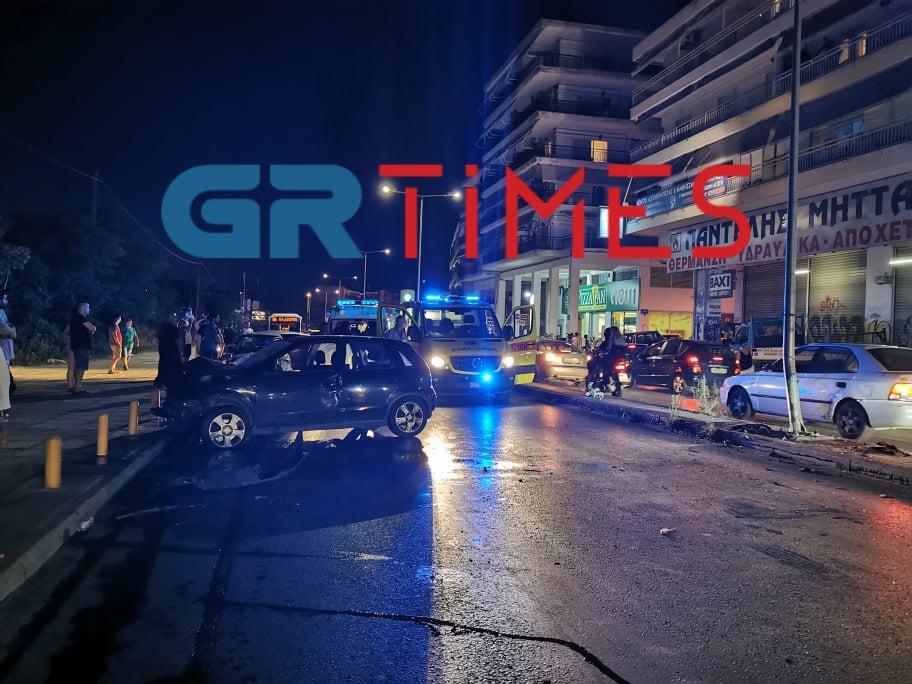 Σοβαρό τροχαίο με εγκλωβισμό στην οδό Λαγκαδά (ΦΩΤΟ – ΒΙΝΤΕΟ)