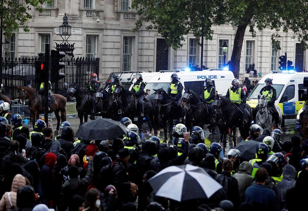 Λονδίνο: Επεισόδια στη διαδήλωση για τον Τζ. Φλόιντ