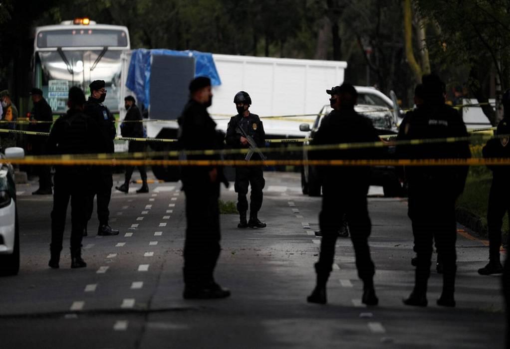 Τυλιγμένα πτώματα στους δρόμους του Μεξικού