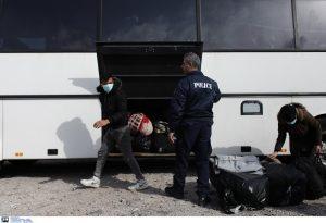 Από τη Λέσβο στην ηπειρωτική χώρα πάνω από 1.800 πρόσφυγες