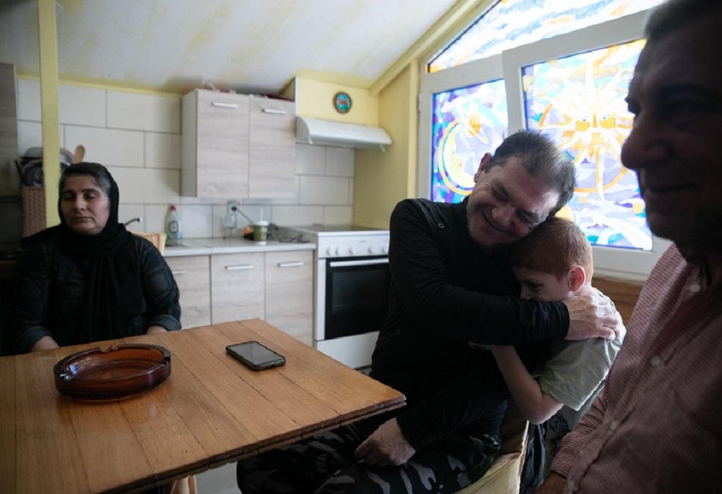 Προσφυγική οικογένεια περιέθαλψε τον σπιτονοικοκύρη της