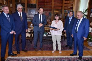 Συνάντηση Σακελλαροπούλου με το προεδρείο της ΚΕΔΕ