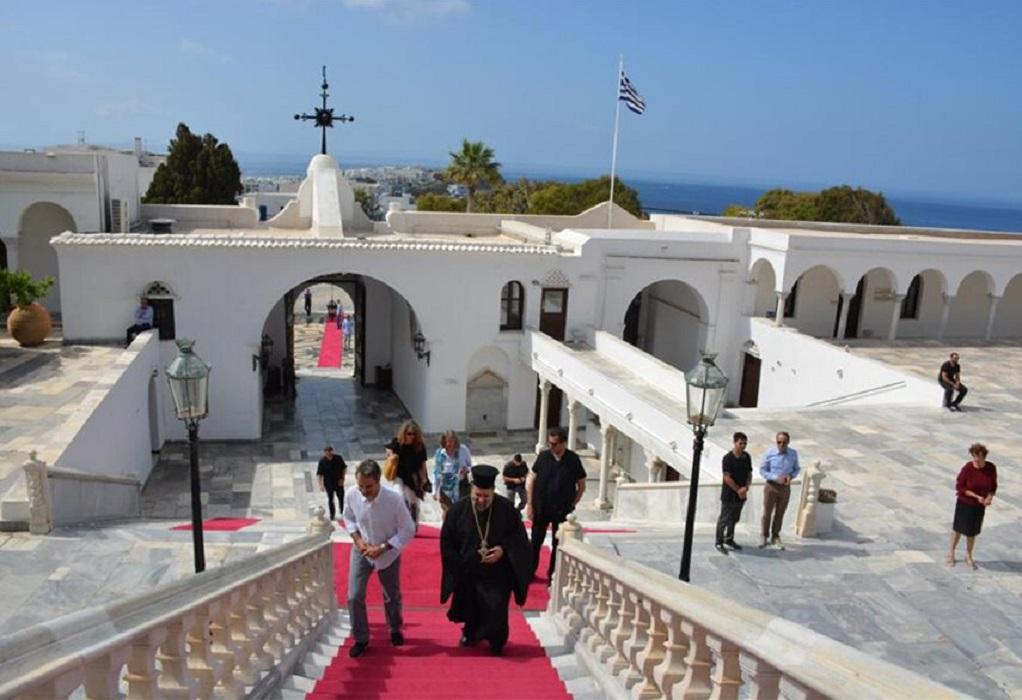 Στην Τήνο, στον Ι.Ν. της Ευαγγελιστρίας ο πρωθυπουργός