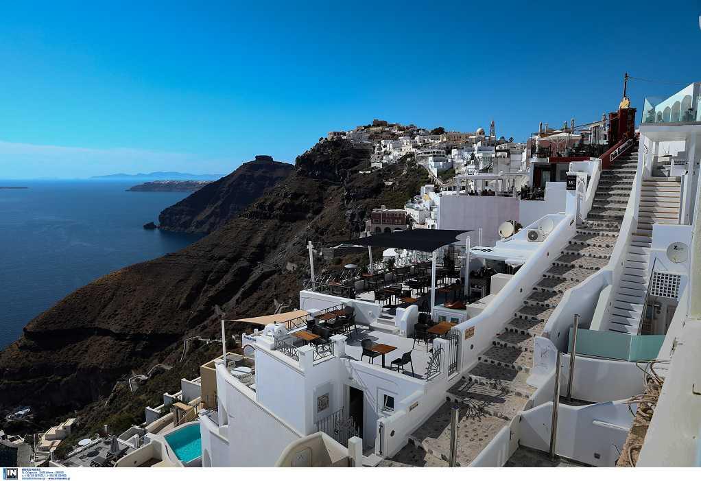 Νέο σποτ για τον Τουρισμό: «Μένουμε ασφαλείς, απολαμβάνουμε Ελλάδα»