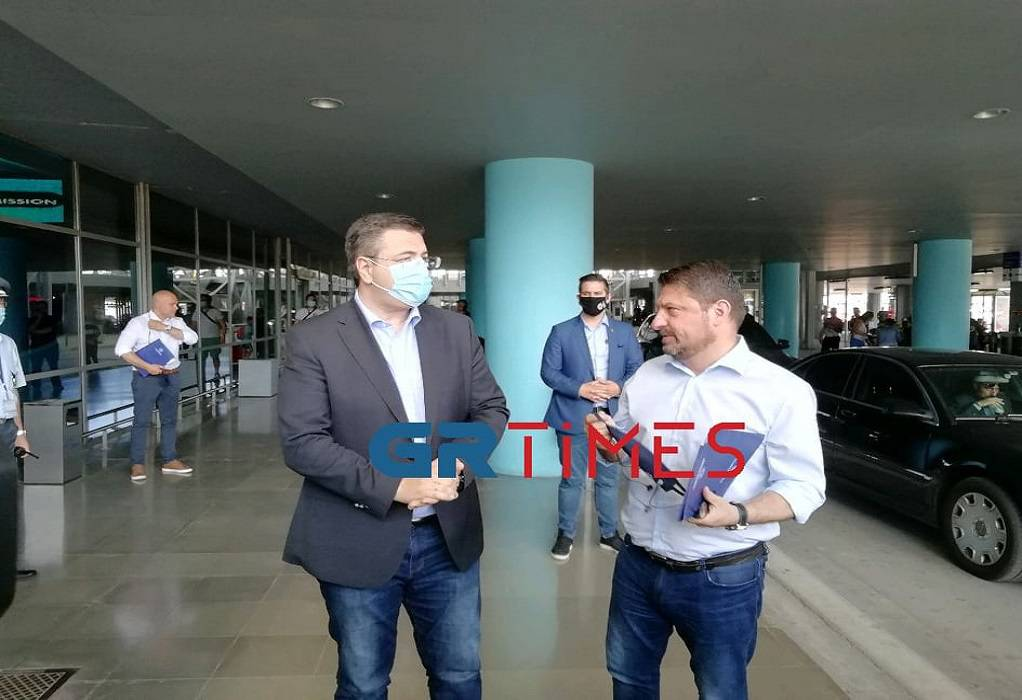 Έκτακτη τηλεδιάσκεψη Ζέρβα-Τζιτζικώστα με Χαρδαλιά και Τσιόδρα – Τι εξετάζεται