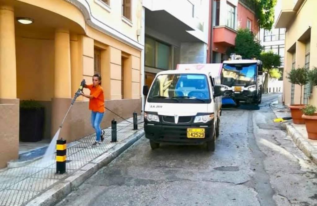 Δήμος Αθηναίων: Επιχείρηση καθαρισμού της Πλάκας