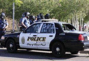 Συναγερμός στην Ουάσιγκτον: Αυτοκίνητο έπεσε σε διαδηλωτές