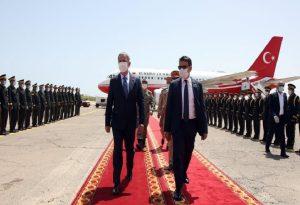Αιφνιδιαστική επίσκεψη Ακάρ στη Λιβυή