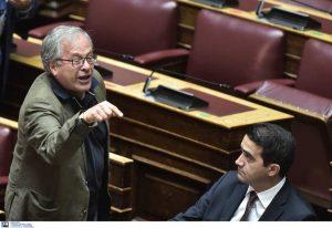 Βουλή: Βρισιές, καυγάδες, άσεμνες χειρονομίες και αποβολή
