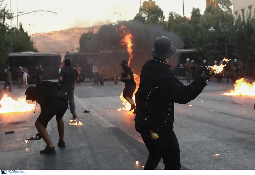 Δικογραφία για αξιωματικό ΕΛ.ΑΣ -Φέρεται ότι εμπόδισε σύλληψη διαδηλωτή