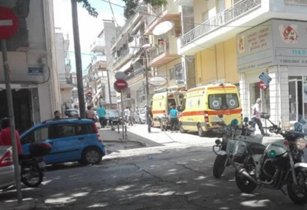 Επίθεση με τσεκούρι: Δύο οι διασωληνωμένοι εφοριακοί