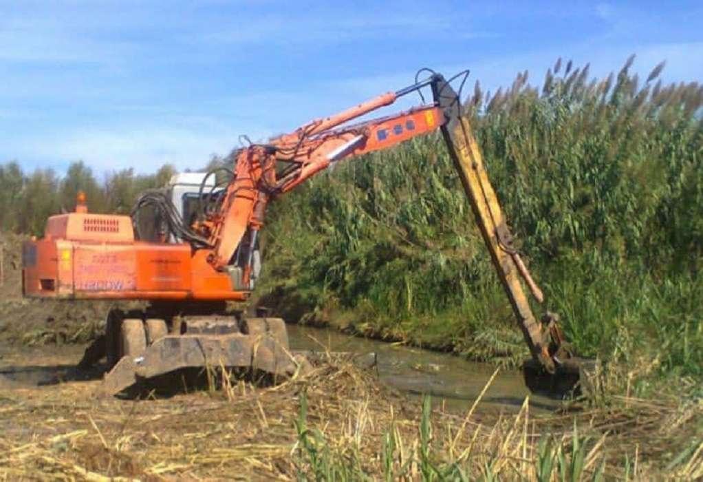 Καθαρισμός καναλιού στην αγροτική περιοχή του Δρυμού (ΦΩΤΟ)