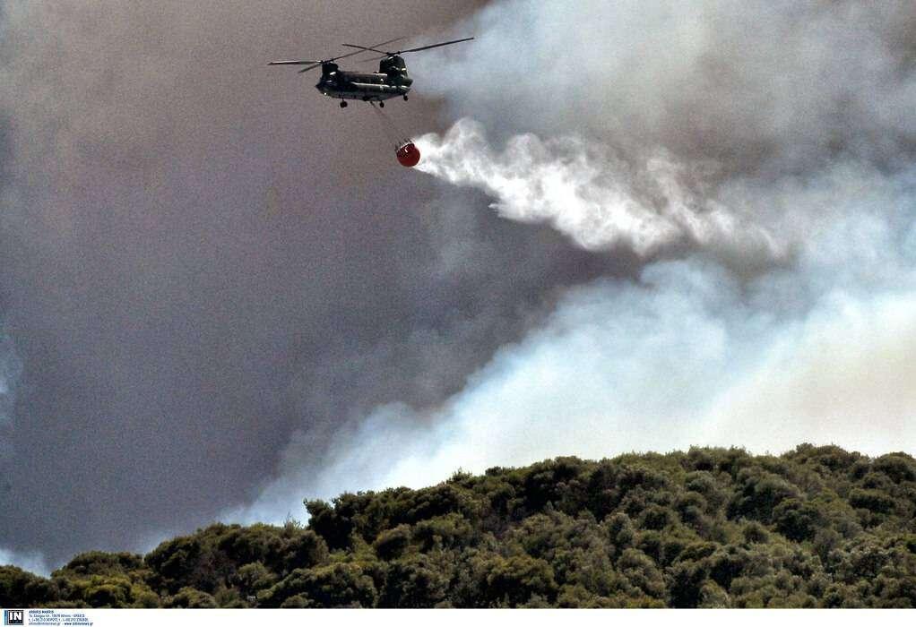 Μεγάλη φωτιά στην Ικαρία – Εκκενώνονται οικισμοί