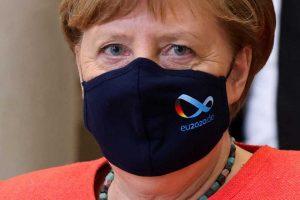 Μέρκελ: Απορρίπτει τον δημόσιο εμβολιασμό της με το εμβόλιο της Astrazeneca