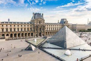 Γαλλία: Ανοίγει το μουσείο του Λούβρου