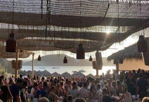 Χαλκιδική: «Λουκέτο» και πρόστιμα σε μπαρ λόγω συνωστισμού