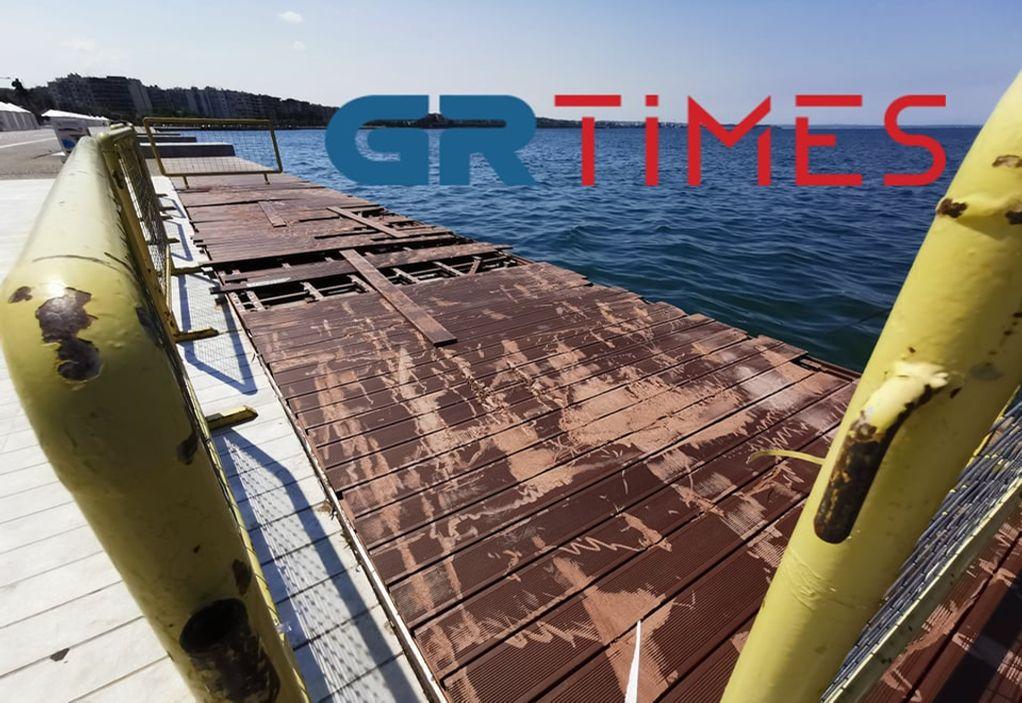 Βανδάλισαν το ντεκ στη Νέα Παραλία – Τι αναφέρει ο Κυριζίδης (ΦΩΤΟ)