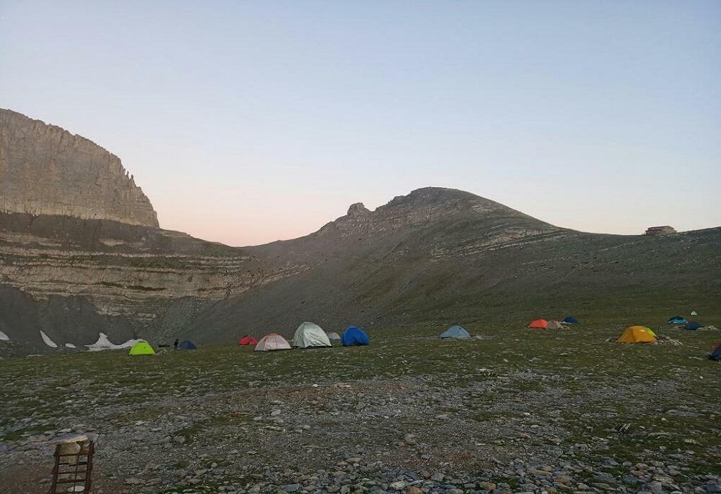 Όλυμπος: Σε εξέλιξη η μεταφορά ορειβάτη από την Πυροσβεστική