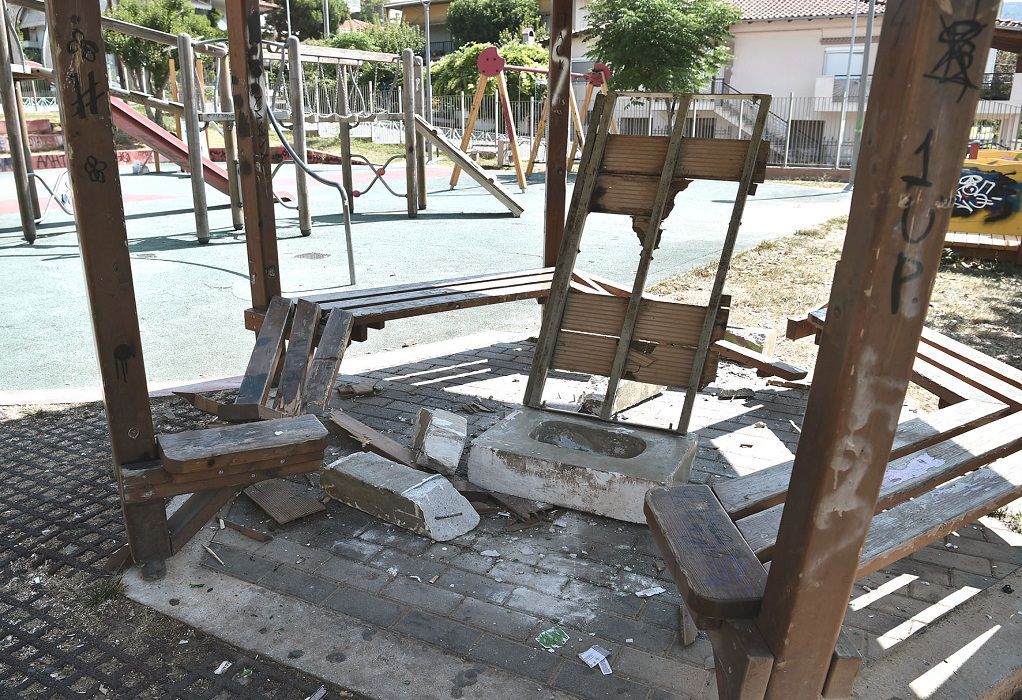 Δ. Αθηναίων: Ανακατασκευάζονται παιδικές χαρές