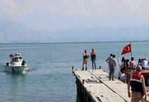 Βύθιση πλοιάριου στην Τουρκία: Τουλάχιστον 54 οι νεκροί