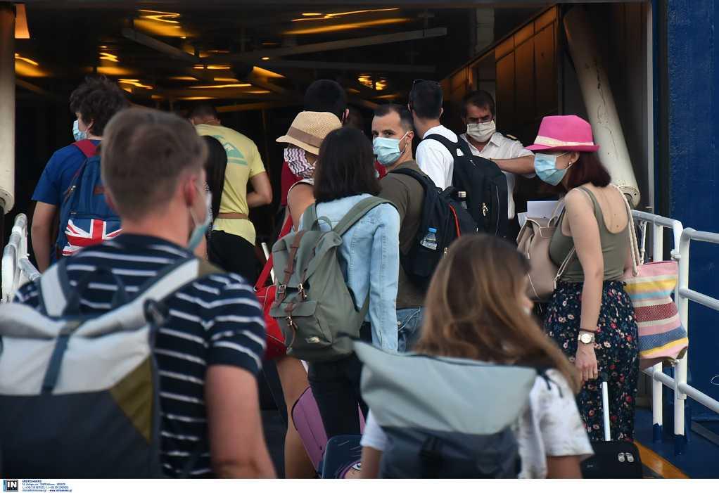 Μάσκα και στους εξωτερικούς χώρους των πλοίων- Τα νέα μέτρα