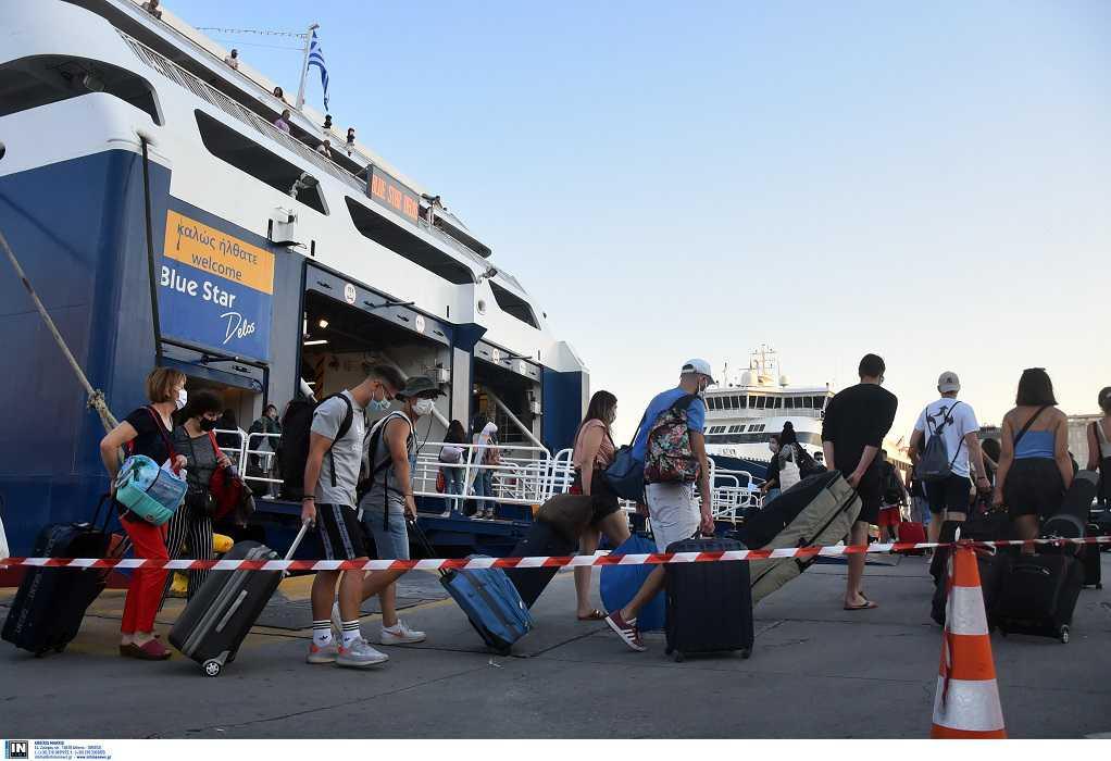 Θεοχάρης: Δεν θα αυξηθεί η πληρότητα στα πλοία