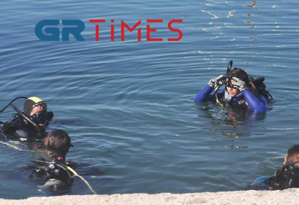 Επιχείρηση υποβρύχιου καθαρισμού στην Αρετσού (ΦΩΤΟ-ΒΙΝΤΕΟ)