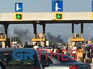 Μάλγαρα: Φωτιά σε ΙΧ – Μετ'εμποδίων η κυκλοφορία (ΦΩΤΟ-VIDEO)