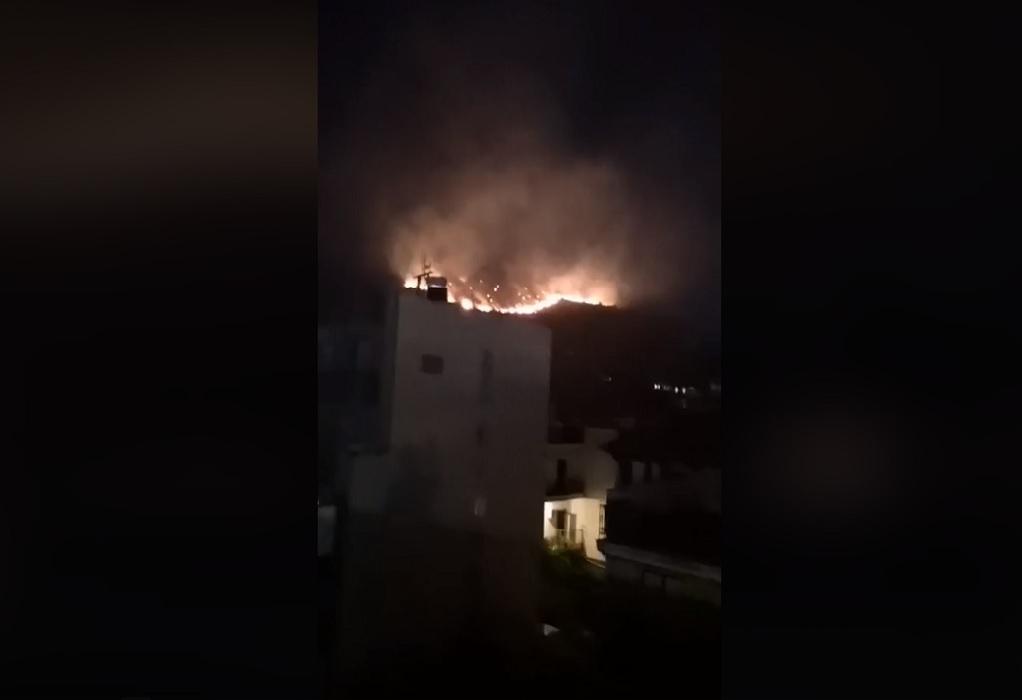 Μεγάλη φωτιά στο Πέραμα