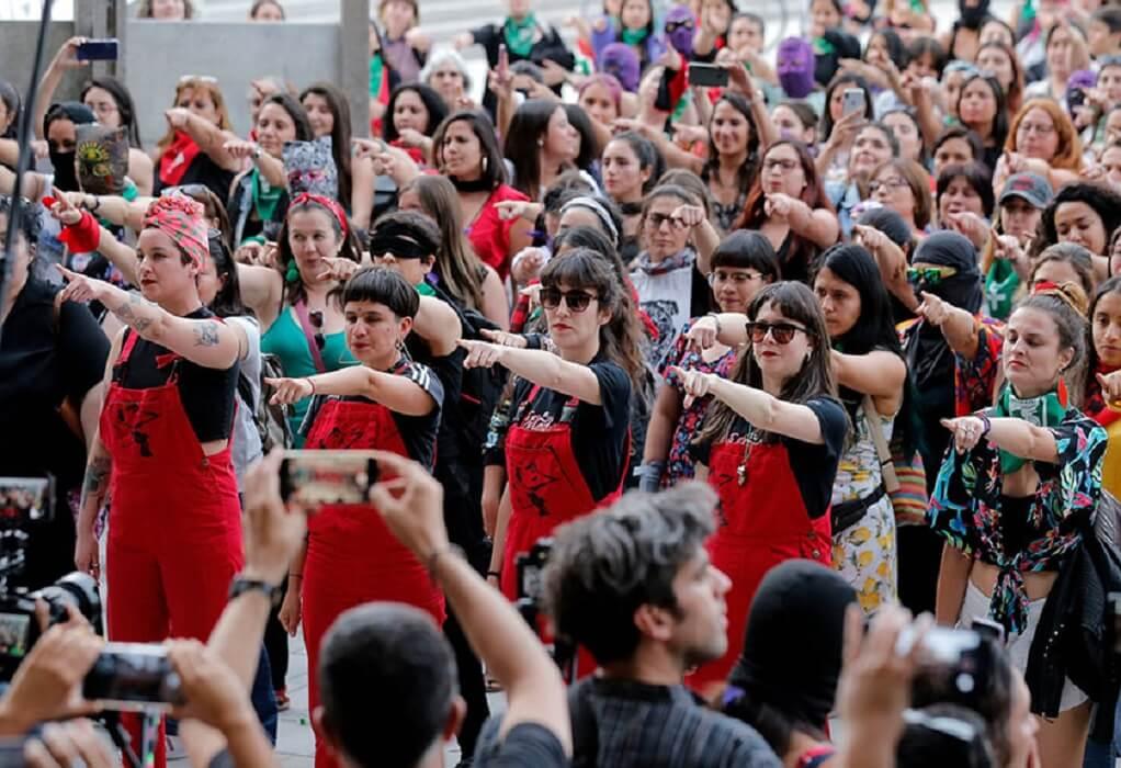 Χιλή: Αστυνομία καταγγέλλει φεμινίστριες δημιουργούς