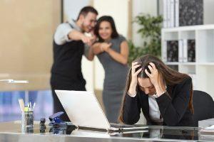 Τι είναι το «mobbing» και πώς επηρεάζει τους εργαζόμενους