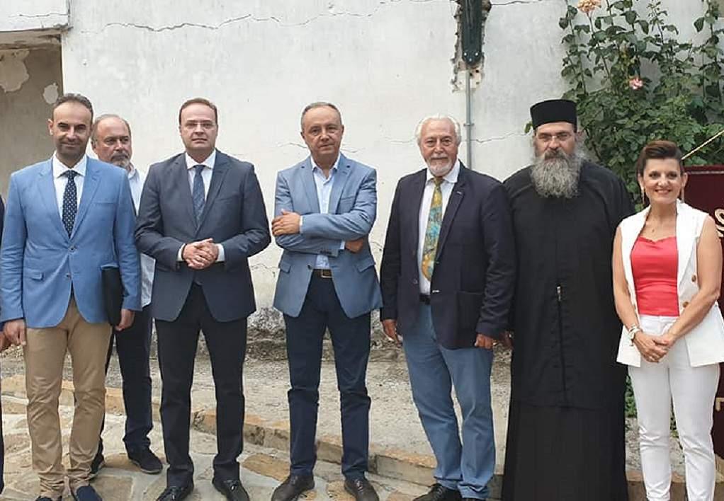 Ο Αλέξης Ζορμπάς γυρίζει στο σπίτι του στο Παλαιοχώρι Χαλκιδικής