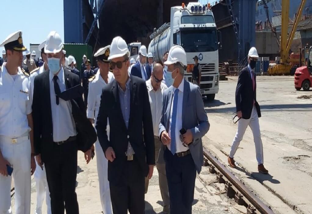 Γ. Πλακιωτάκης: Επίσκεψη στο ναυπηγείο Σύρου