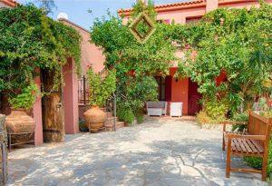 Varos Village: Η Λήμνος πρέπει να γίνει ένα boutique τουριστικό νησί