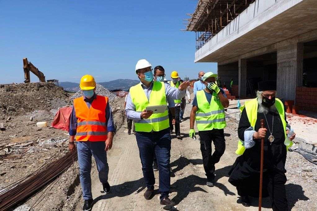 Αυτοψία Τζιτζικώστα στη δομή ηλικιωμένων στο Φίλυρο