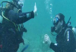 Υποβρύχια πρόταση γάμου στην Αλόννησο– Δείτε βίντεο