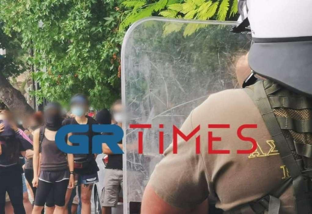 Θεσ/νίκη: Αντιεξουσιαστές έξω από την κατάληψη που εκκενώνεται (ΦΩΤΟ+VIDEO)