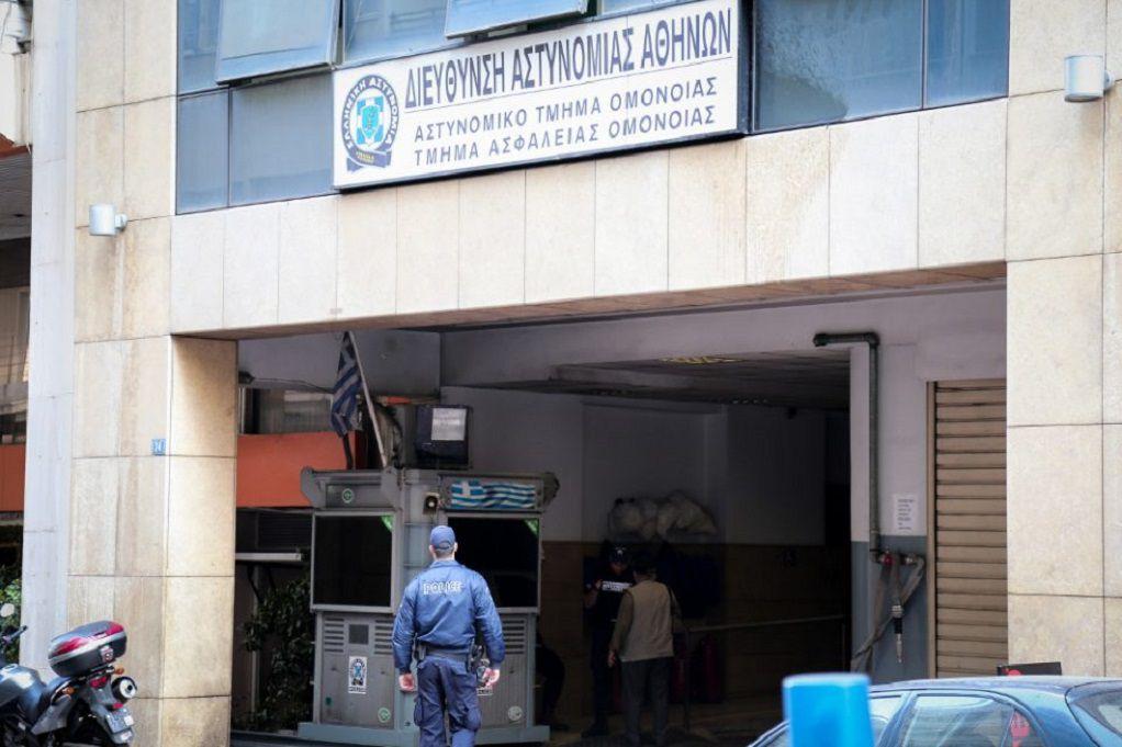 Κορωνοϊός: Θετικοί έξι αστυνομικοί στο Α.Τ. Ομονοίας