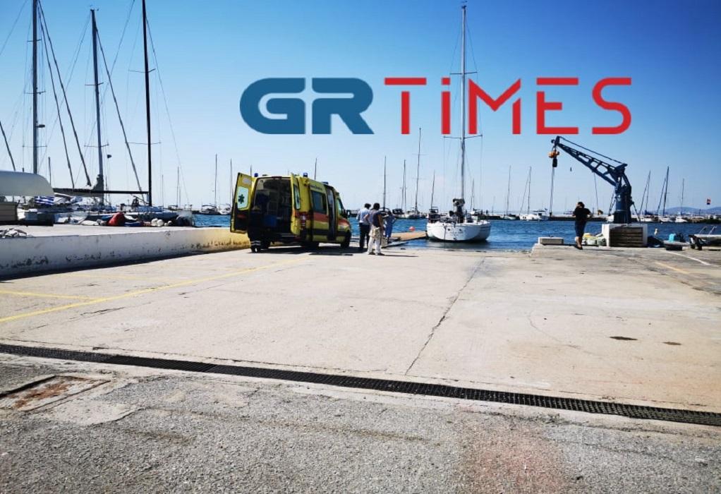 Τραγωδία στη Θεσσαλονίκη: Βούτηξε από σκάφος και πέθανε[photos]