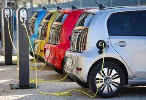 «Κινούμαι Ηλεκτρικά»: 5.000 αιτήσεις σε 15 ημέρες
