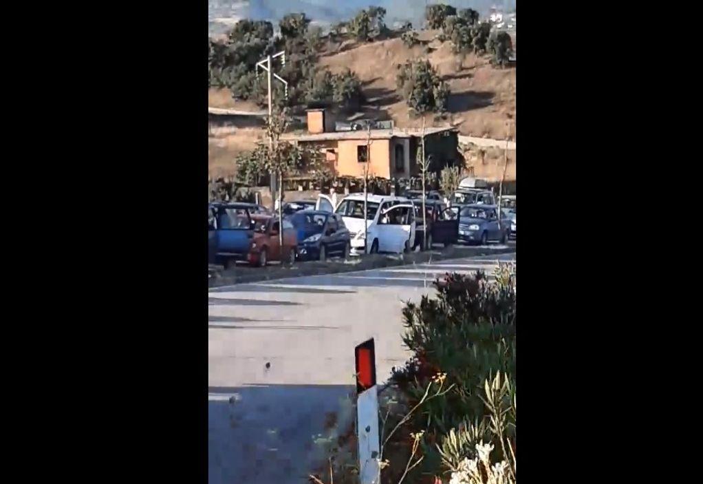 Κακαβιά: Ουρές χιλιομέτρων πριν το πλαφόν (VIDEO)