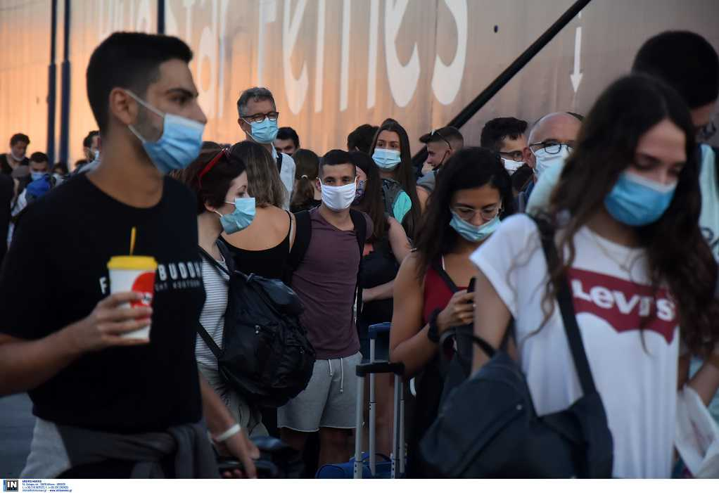 Εξαδάκτυλος: Όσοι επιστρέφουν από διακοπές, να φοράνε μάσκα για 7 ημέρες