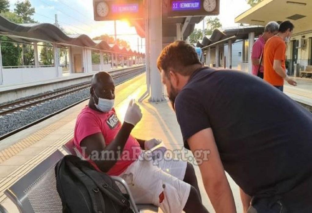 Κατέβασαν άνδρα από το τρένο γιατί νόμιζαν ότι … έχει κορωνοϊό