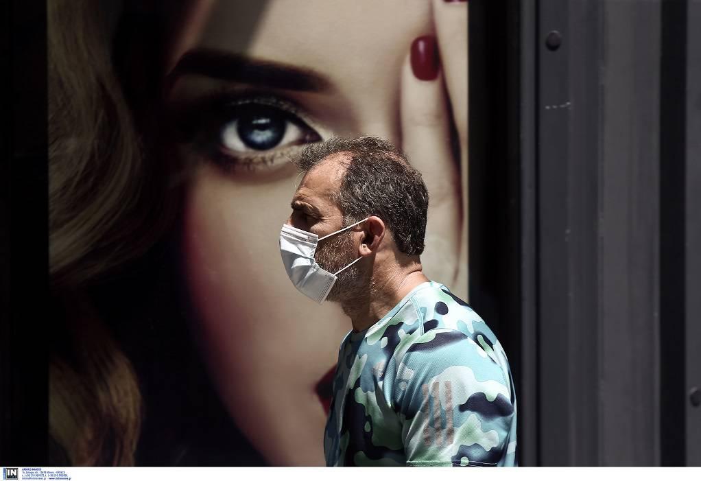 Λαζανάς: Μάσκα παντού για να αποφύγουμε το lockdown