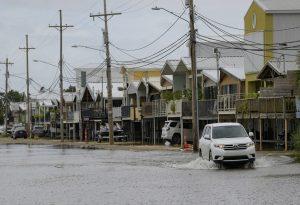 Εκκενώσεις στη Λουιζιάνα, εν αναμονή των «δίδυμων τυφώνων»