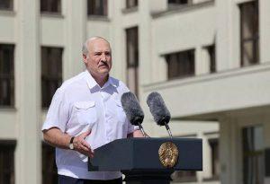 Λευκορωσία: Ολοένα και πιο ευάλωτος ο Λουκασένκο