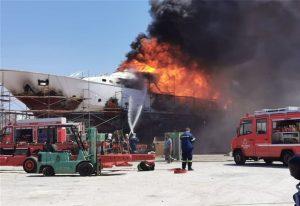 Σύρος: Πυρκαγιά και έκρηξη στον Ταρσανά (ΦΩΤΟ+VIDEO)