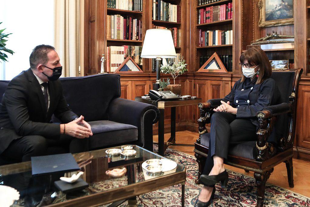 Συνάντηση Σακελλαροπούλου – Πέτσα στο Προεδρικό Μέγαρο